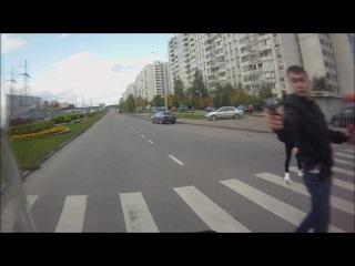 Неадекватные люди разгуливают с оружием по Москве.